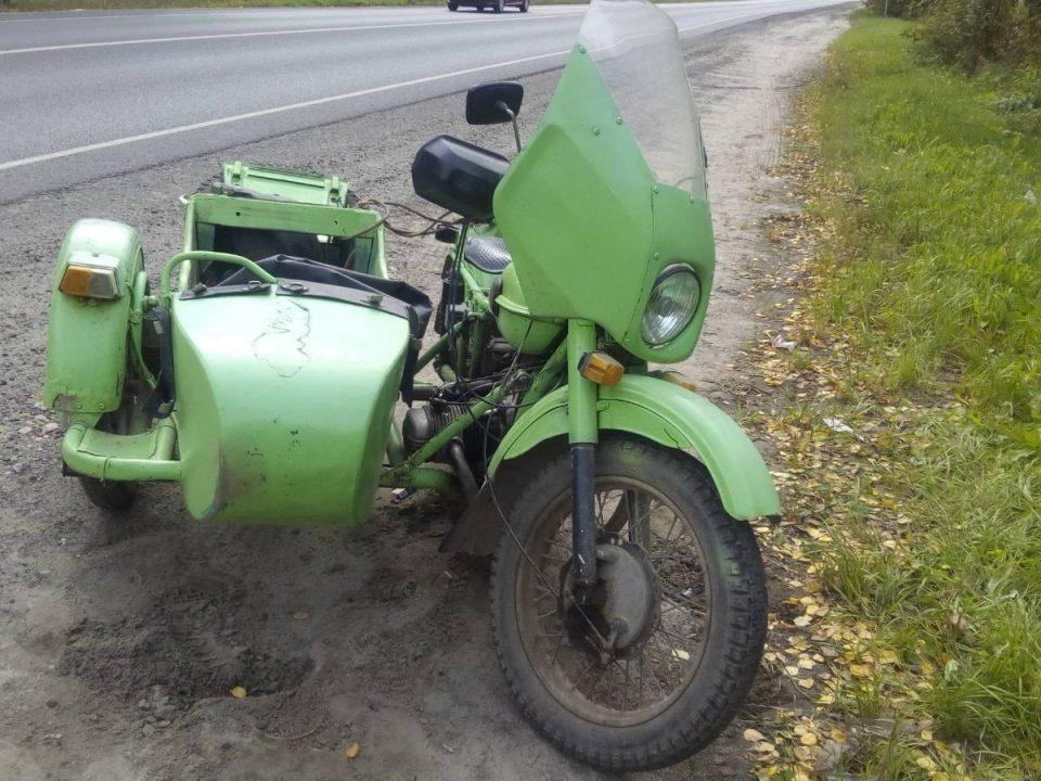 Молодой мужчина на мотоцикле, пьяный и без прав выехал на дорогу